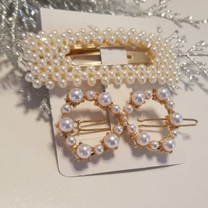 Accessories - 3/$20 New Pearl & Gold Hair Clips